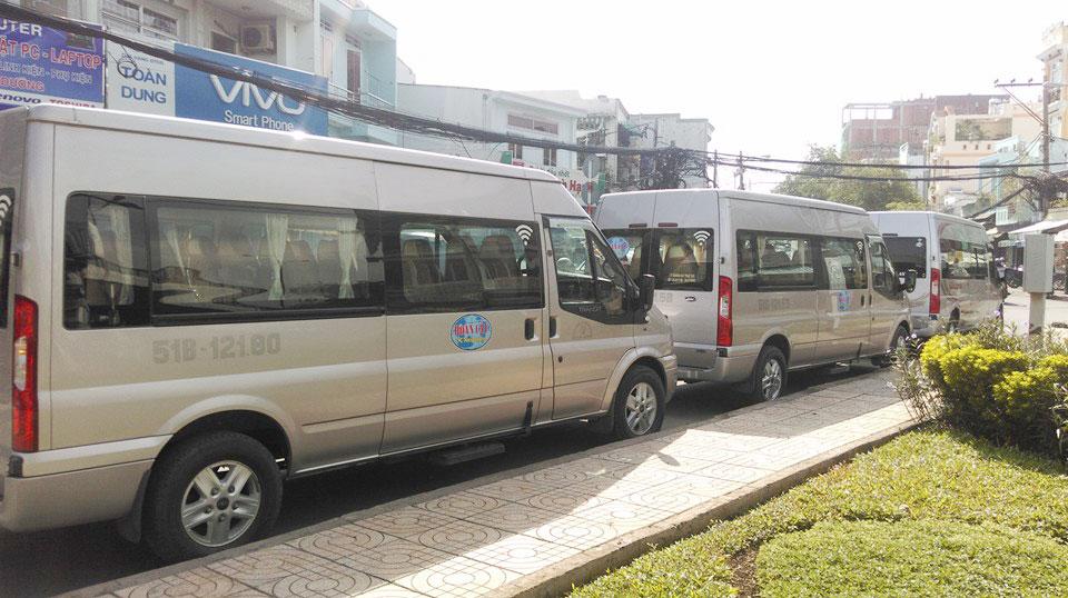 Xe 16 chỗ Transit